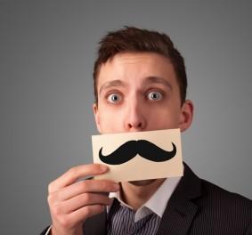 J'ai franchement envie de me faire pousser la moustache