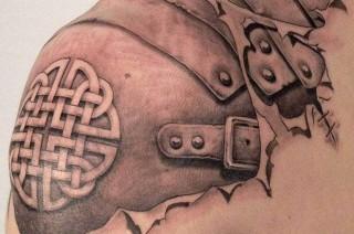 Tatouage dos homme : Faut-il montré ses tatouages