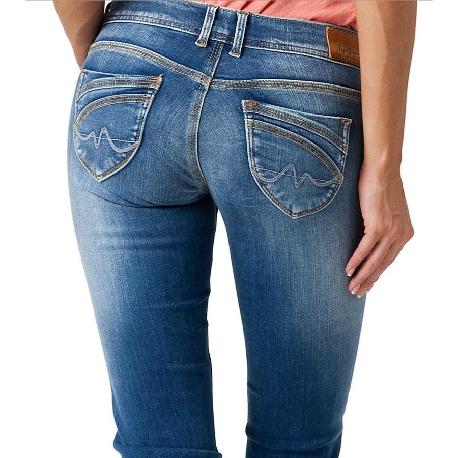 Choisir un jeans pour une femme