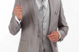 Costard gris : je trouve que c'est la couleur qui convient à un mariage