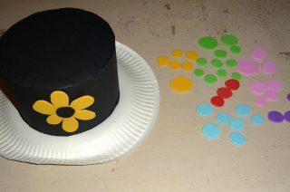 Comment faire un chapeau en carton ?